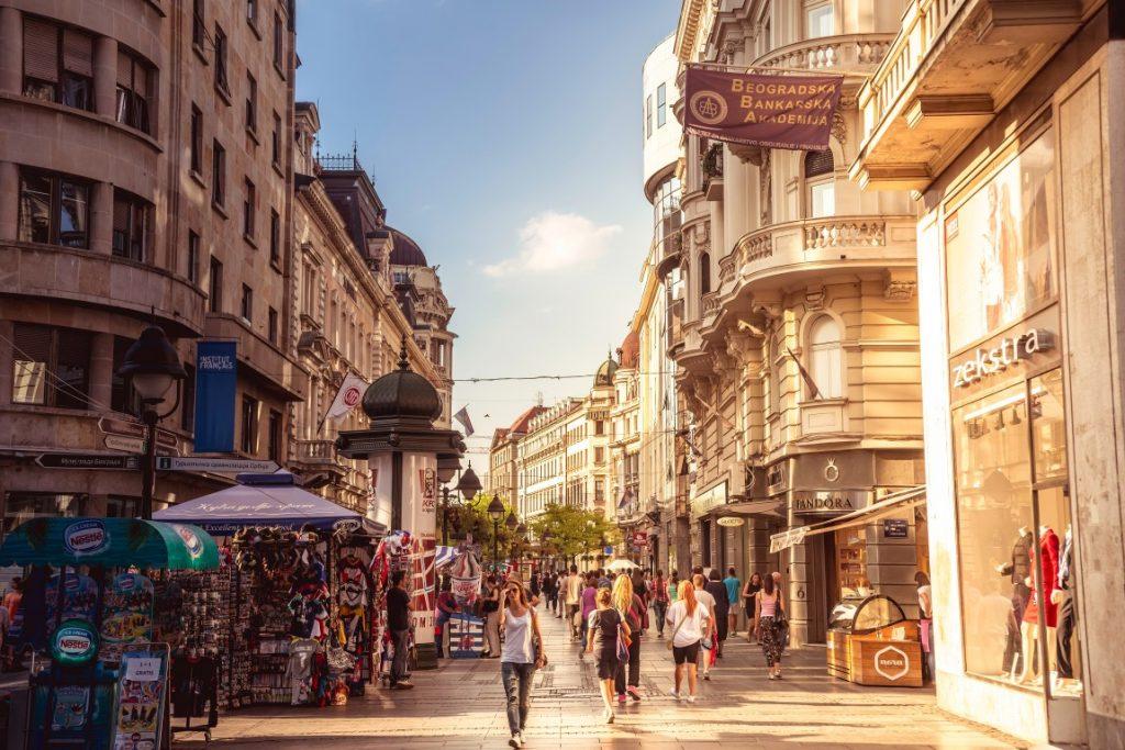 avrupa rüyası sırbistan belgrad Strahinjića Bana Caddesi